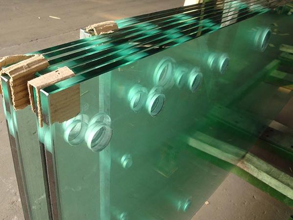辽宁钢化玻璃厂家
